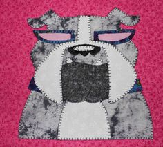 Bulldog quilted applique wall hanging.  Dog quilt.