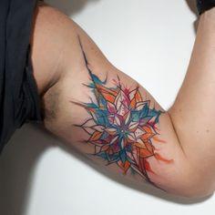 Mandall Watercolor By Diana Velásquez Whatsapp +573146091121 Medellin - Colombia  #mandala #acuarela #watercolor #mandall #art #linertattoo #tatuajes #tat #tattoo #ink #tatttooer #tatuadora