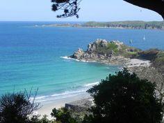 vue sur la plage de trestignel à perros-guirec Bretagne