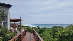 White Pearl Resort, Ponta Mamoli, Moçambique | Viaje Comigo Cabin, House Styles, Home Decor, Traveling, Decoration Home, Room Decor, Cabins, Cottage, Home Interior Design