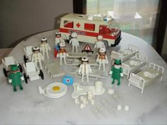 Playmobil Ambulance and Hospital Childhood Toys, Childhood Memories, Doll Furniture, Ambulance, Vintage Toys, Utrecht, Gadgets, Classroom, Times