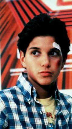 umm hows he so hot ? Daniel Karate Kid, The Karate Kid 1984, Karate Kid Movie, Karate Kid Cobra Kai, Cute White Guys, Cute Guys, Beautiful Boys, Gorgeous Men, The Outsiders Johnny