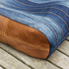 """Out now: PDF Sewing pattern for the stylish """"Chobe"""" hand bag - ideal for upcycling an old pair of jeans"""