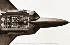 F-22 Raptor Weapons Bay - 2011.03.19 | Flickr - Photo Sharing!