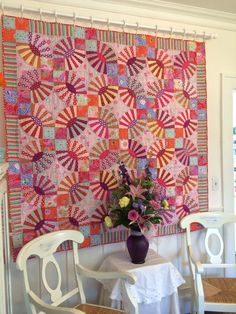 I hung my Pickledish quilt today! #pickledish #kaffefassett Love the curtain rings to hold quilt.