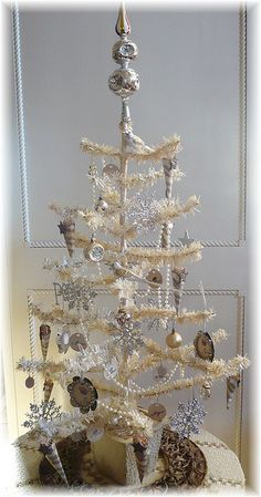 Pretty white and silver feather tree