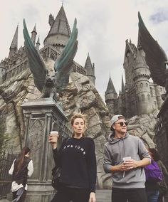 Couple at Harry Potter World
