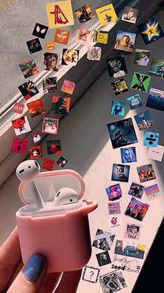 My favorite type of music is pop and alternative. Musik Wallpaper, Emoji Wallpaper, Aesthetic Iphone Wallpaper, Aesthetic Wallpapers, Wallpaper Desktop, Girl Wallpaper, Disney Wallpaper, Wallpaper Quotes, Wallpaper Backgrounds