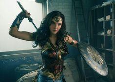 如果你喜欢看美国队长,就会喜欢看#神奇女侠# 又多一个拯救世界的英雄,女侠还挺养眼的,主要看气质还是看腿!?