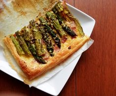 Cheese tart with bacon and asparagus // Serowa tarta ze szparagami i bekonem // www.gourmand.pl