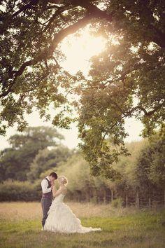 Dusky Pink Fairytale Wedding In A Barn | Bridal Musings Wedding Blog Fantastisk bilete!