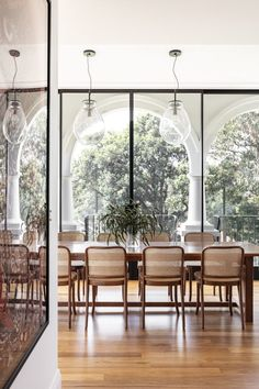Home Interior Living Room Interior Design Minimalist, Home Interior Design, Interior Architecture, Australian Architecture, Australian Interior Design, Interior Colors, Luxury Dining Room, Dining Room Design, Dining Rooms
