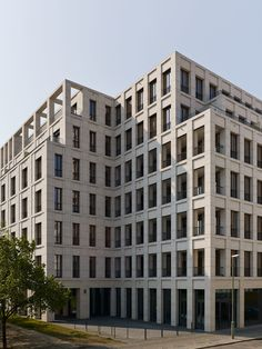 Kleihues + Kleihues, Stefan Müller · House on Max Reinhardt Platz