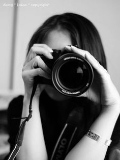 Olympus Camera - Photography Tips You Should Know About Photography Camera, Girl Photography Poses, Creative Photography, Girls With Cameras, Antique Cameras, Monochrom, Female Photographers, Jolie Photo, Photography Equipment