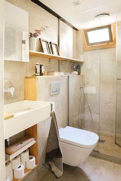 00436849. Baño pequeño revestido de microcemento con ducha B00436849