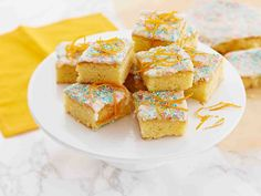 Appelsiinipalat Cake Bars, Let Them Eat Cake, Sweet Tooth, Special Occasion, Cereal, French Toast, Muffin, Goodies, Sweets