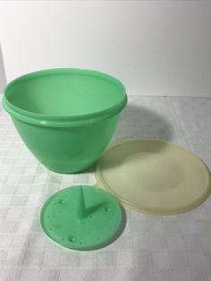Tupperware Lettuce Crisp It Bowl with Spike Insert Vintage