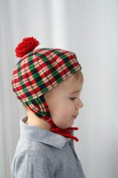 Vintage Toddler Scottish HAT w Pom Pom. hehe. Can you say, blackmail photo? lol