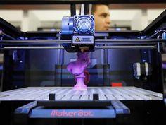 Un Makerbot en cours d'impression