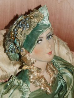 ANTIQUE-FRENCH-BOUDOIR-DOLL-SPLENDID-HAT-BELLE-ANCIENNE-POUPEE-DE-SALON