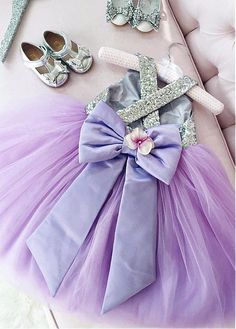 Cute Sequin Lace & Tulle Scoop Neckline Floor-length Ball Gown Flower Girl Dresses With Handmade Flowers & Bowknot