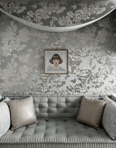 ♅ Dove Gray Home Decor ♅ daybed with yummy wallpaper