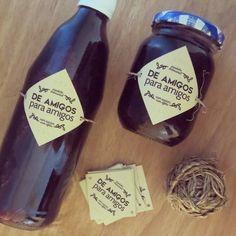 rótulo de produto artesanal (suco e geléia de uva) para amigos.