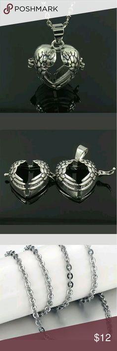 Silver Locket Pendant Diffuser Necklace Silver Locket Pendant Essential Oil Diffuser Necklace Jewelry Necklaces