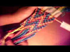 Como hacer gaza o fajón M - YouTube Chrochet, Knit Crochet, Chevron Friendship Bracelets, Tapestry Crochet Patterns, Purses And Bags, Weaving, Knitting, Youtube, Crocheting