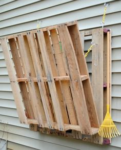DIY Pallet Gardening Table | Shelterness