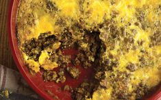 This is bobotie, a venison casserole from South Africa. It& made with ground venison, some mild curry spices, and topped with a mix of heavy cream and eggs Venison Casserole, Casserole Recipes, Deer Recipes, Game Recipes, Bobotie Recipe, Ground Venison, Good Food, Yummy Food, Delicious Recipes