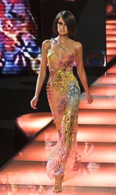 Look Fashion, High Fashion, Fashion Show, Fashion Design, Couture Fashion, Runway Fashion, Pretty Dresses, Beautiful Dresses, Style Urban