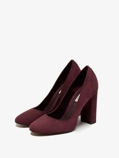 Autumn winter 2016 Women´s BURGUNDY SUEDE HIGH HEEL SHOES at Massimo Dutti for 499. Effortless elegance!