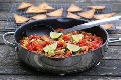 Vegetarisk bønnegryte med tortillachips