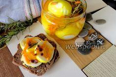 Маринованные яйца жёлтые