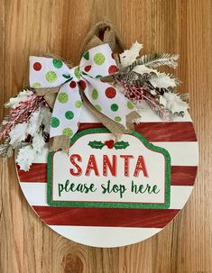 Christmas Time, Christmas Wreaths, Christmas Crafts, Christmas Decorations, Christmas Ornaments, Holiday Decor, Christmas Ideas, Tole Painting Patterns, Porch Signs
