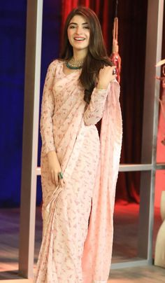 51 new saree design for women 48 Trendy Sarees, Stylish Sarees, Indian Bridal Outfits, Indian Designer Outfits, Sari Dress, The Dress, Saree Blouse, Sarees For Girls, Saree Trends