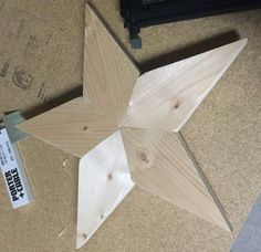 Ana White Build a Wooden Star I'd quite like to use this and joining shapes as flooring. Would be lovely in a dark stain. Diy Projects Plans, Wood Projects For Beginners, Scrap Wood Projects, Easy Woodworking Projects, Furniture Projects, Woodworking Plans, Diy Furniture, Project Ideas, Woodworking Furniture