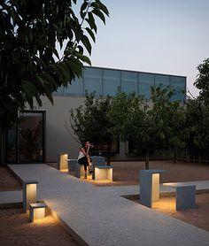 VIBIA EMPTY 4125 Design by Xucla - te groot voor onze oprit - wel aan terras / paadje?