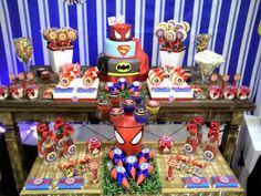 Uma Festa com personalizados e decoração Atelier de Festas Eliana simas