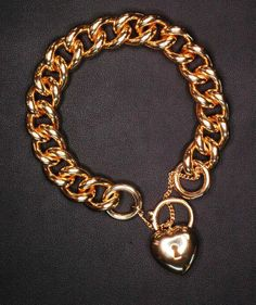 This is a C400 or curb chain made from 4.0mm round wire. The padlock is a 20mm cast puff padlock. The image is of a 9 carat yellow gold bracelet padlock combination. This is available in other alloys such as 14 carat up to 18 carat gold. Colours available are yellow , white and rose gold.  http://morrisandwatson.com/chain/