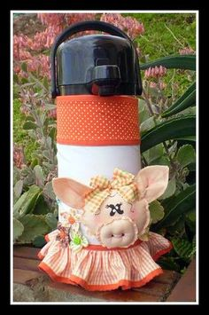 Novedades Paola: Detalles en Tela para la Cocina Doll Toys, Dolls, Appliance Covers, Bottle Cover, Pot Holders, Diy And Crafts, Mosaic, Sewing Patterns, Projects To Try