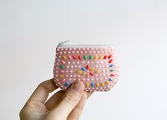 this coin purse would make a super sweet stocking stuffer!