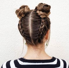 Reverse braided double buns by Iris Araújo