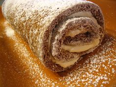 Pumpkin Cream Cheese Roll Ingredients: Cake: 3 eggs 1 cup sugar cup canned pumpkin puree (not pie filling) 1 t. Canned Pumpkin, Pumpkin Pie Spice, Cooking Pumpkin, Pumpkin Cream Cheese Roll, Cheese Rolling, Breakfast Pastries, Hot Dog Buns, Yummy Food, Yummy Recipes