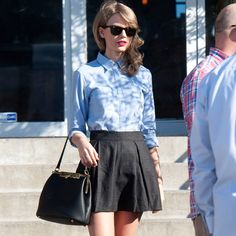 Taylor Swift and Lena Durham strolling in New York this week. Description from stylebiscuit.com. I searched for this on bing.com/images