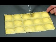 Ravioli ripieni di carne – Primi facili (meat ravioli) - YouTube Make Your Own Pasta, Fresco, Salsa, Pasta Sauces, Italian Pasta, Gnocchi, Antipasto, Gelato, Italian Recipes
