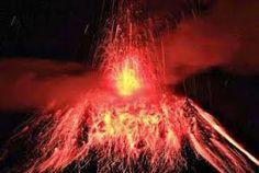 Tungurahua Volcano (Ecuador): Increasing Strombolian Activity - http://earthchangesmedia.com/tungurahua-volcano-ecuador-increasing-strombolian-activity