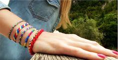 Φτιάξτε βραχιολάκια φιλίας. 5 υπέροχα σχέδια. {ΒΙΝΤΕΟ} Friendship Bracelets, Macrame, Jewelry Making, How To Make, Leather, Accessories, Diys, Shoes, Zapatos