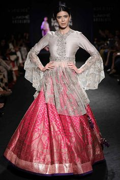 Latest Indian Fashion Trends for 2018   Bollywood & Fashion Week Styles